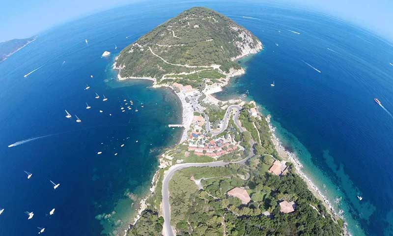 Campings on Elba Island in Enfola
